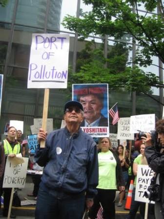 Port Protest 03