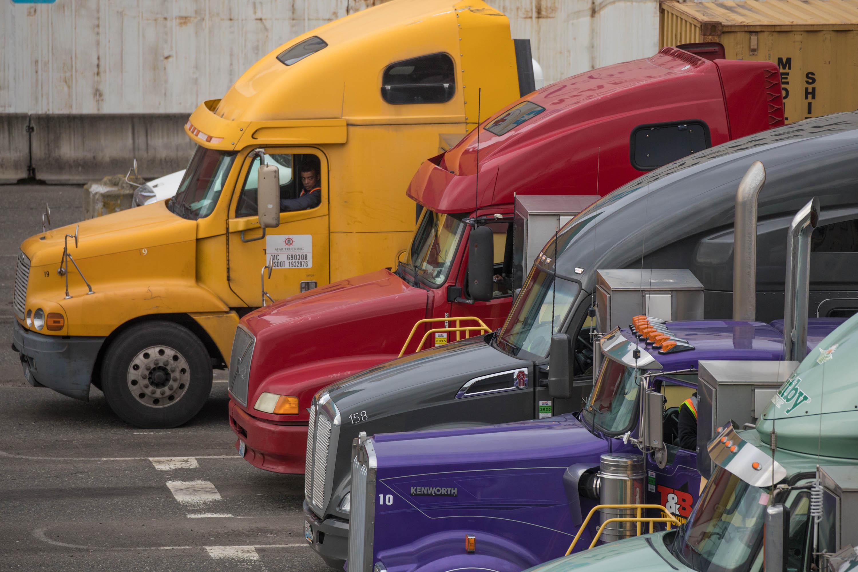 Port truck drivers organize walkout as clean-air legislation looms