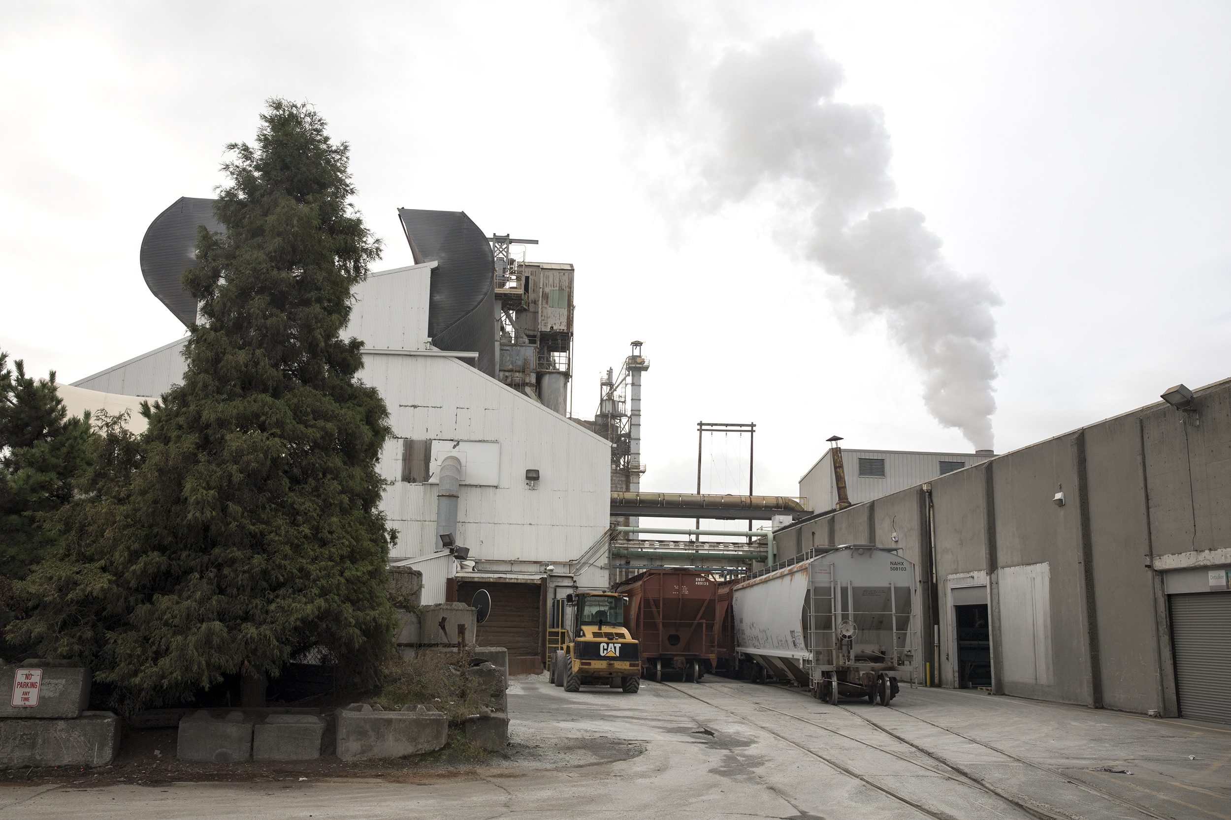 County faces tough choice on lease for company with checkered environmental past