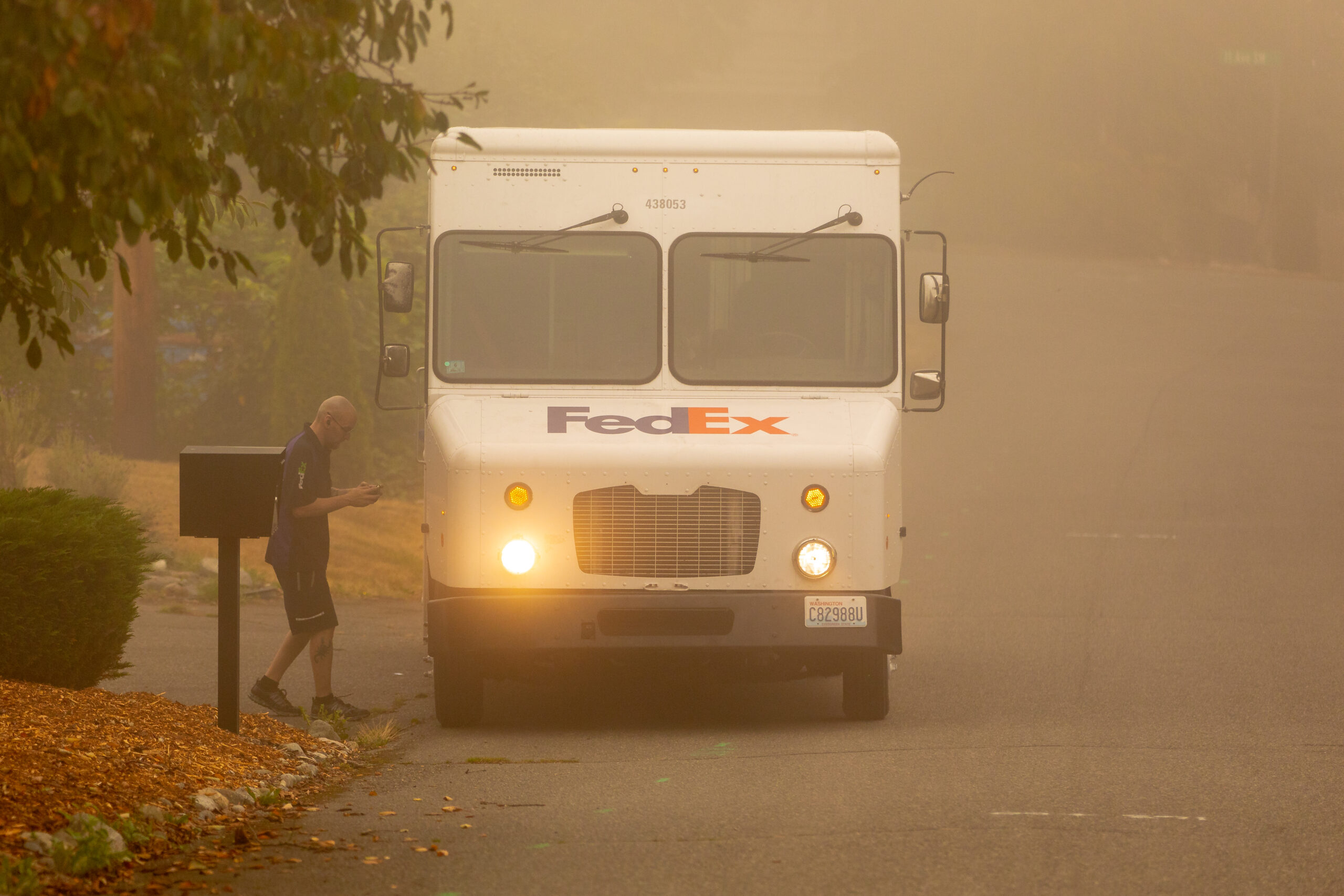 Government, employers do little to protect outdoor workers from smoke
